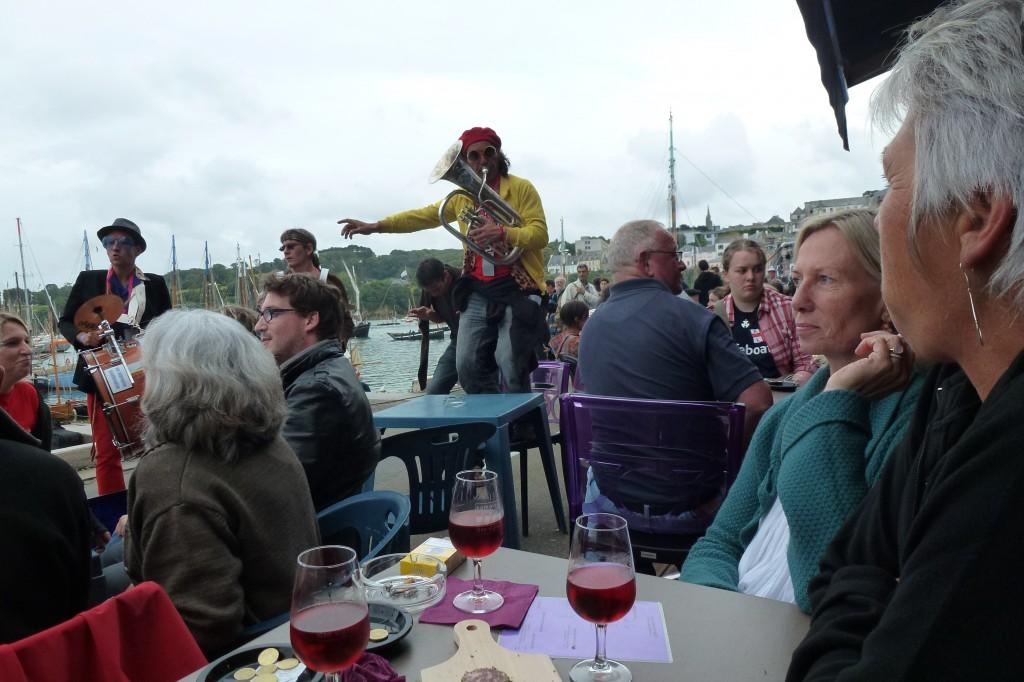 Douarnenez, les fêtes maritimes dans bars F%C3%AAtes-maritimes-060-1024x682