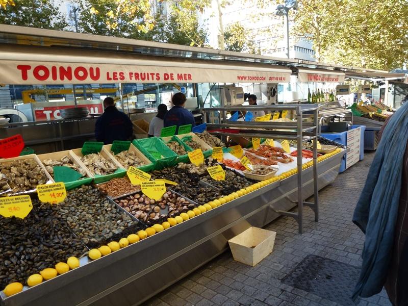 Marseille, cours St Louis d'Anjou dans bistrots marseille-nov12-2