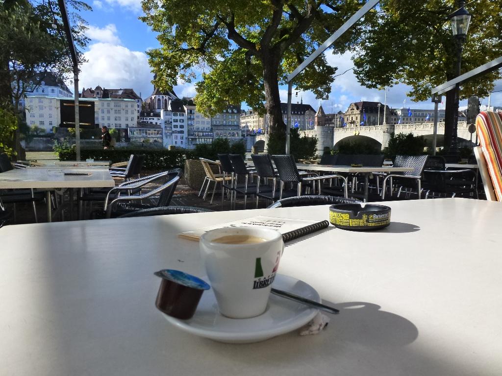 Bâle, Basel dans cafés bale-oct