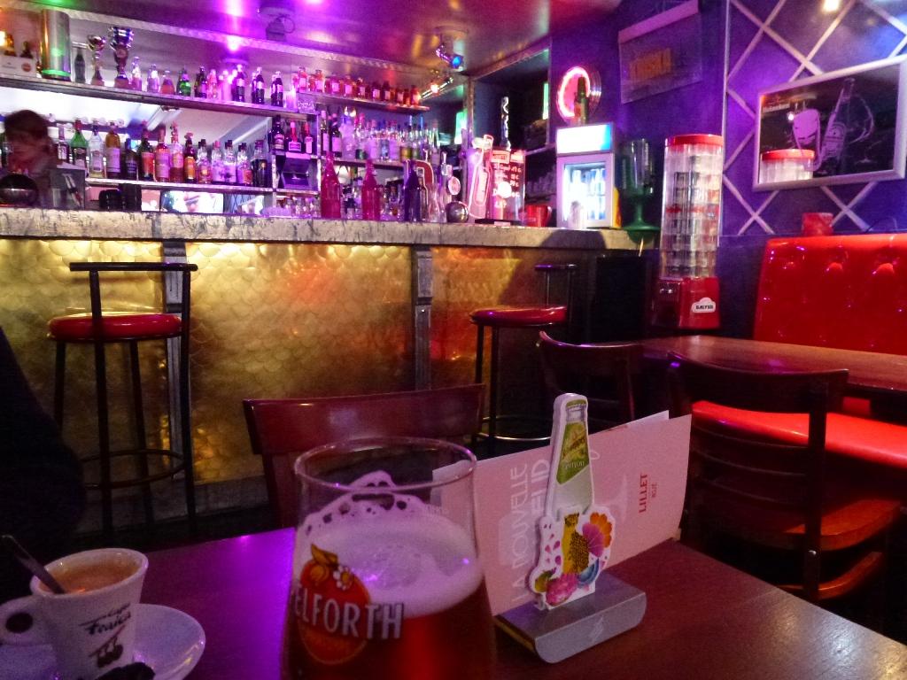 Le Bar des deux mondes